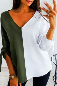 Shirts Blouses V Neck Color Block Elegant Blouses Source by . Read more The post Shirts Blouses appeared first on How To Be Trendy. Colour Blocking Fashion, Blouses For Women, T Shirts For Women, Winter Fashion Casual, Fashion Spring, Women Sleeve, Spring T Shirts, Blouse Styles, Pattern Fashion