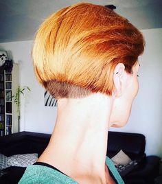 Les 379 meilleures images de Carre plongeant nuque courte en 2020 | Cheveux courts, Passion ...