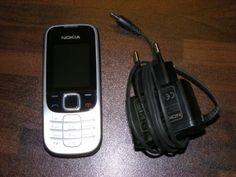 Zum Verkauf steht ein neuwertiges Nokia 2330c.Freies Handy, ohne Sim- und Netlock, kein Hard- oder Software-Branding.Daten:Standby: bis zu 567 StdSprechzeit: bis zu 4.75 Std.Standard-Akku: Li-Ionen 1020 mAh (BL-5C)Gewicht: 80 gAbmessungen (H x B x T): 107 x 46 x 14 mmNetz: Dual-Band (GSM 900/1800 MHz)Displaydiagonale: 1.8 Zoll (ca. 4,57 cm)Farbdisplay: 65.536 FarbenKamera: (VGA)Auflösung: 640 x 480 PixelVideoplayerRadioInterne Speicherkapazität: 32 MB interner SpeicherInternet-Browser…
