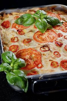 Ratatouille-vuohenjuusto-vegelasagne Cooking Classes, Ratatouille, Cooking Recipes, Vegetables, Food, Ideas, Lasagna, Chef Recipes, Essen