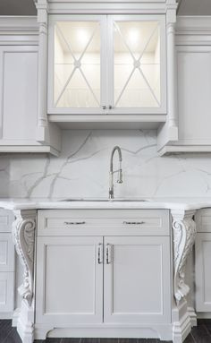 #Quartz #backsplash: 4215 Statuario Oro  #kitchen #kitchendesign #countertop #interiordesign #interiors #interiordesignideas #interior4all #design #designers #remodel #remodeling #luxuryhome #custommade #home #cabinets