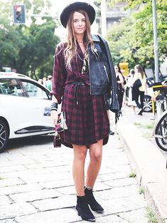 street-style-camisa-vestido-ankle-boot-chapeu