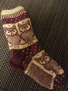 Uglesokk..fra Jorid på Strikkesida Knitting Socks, Diy And Crafts, Slippers, Fashion, Knits, Hand Crafts, Knit Socks, Moda, Fashion Styles