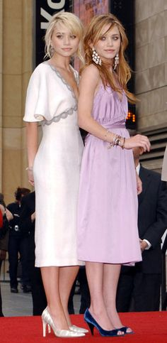 Mary-Kate and Ashley Olsen being honoured with a star on the walk of fame in 2004