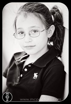 10+ Tips for Photographing People in Glasses and Avoiding Glare