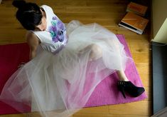 Maria Just Do It: Tulle skirtYou can find Tulle skirt tutorial and more on our website.Maria Just Do It: Tulle skirt Adult Tulle Skirt, Diy Tulle Skirt, Tulle Skirt Tutorial, Diy Fashion, Fashion Design, Just Do It, Dress Making, My Style, Skirts