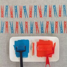 simple printmaking { week two } of the challenge 2015 by Yardage Design :: block printed wooden clothes pegs in blue and orange onto grey linen Stamp Printing, Printing On Fabric, Screen Printing, Impression Textile, Diy And Crafts, Arts And Crafts, Stamp Carving, Fabric Stamping, Clothes Pegs