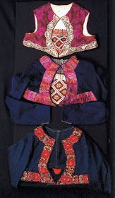 Hello all, This is the second part of my overview of the costumes of Norway. This will cover the central row of provinces in Eastern N. Folk Fashion, Ethnic Fashion, Folk Costume, Costumes, Norwegian Clothing, Bridal Crown, Fashion History, Cute Designs, Norway