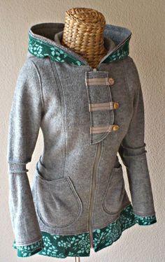 diese Jacke etwas verlängert, mit Reißverschluss und Taschen   Schnitt: eigener