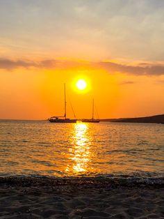 #greece #paros #greekisland #greecetravel #greecetravel #greecevacation #sunset #sunsetphotography #sailboat