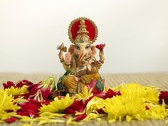 Lord Ganesha is an excellent feng shui tool for removing obstacles, attracting wealth and success. Even though Ganesha (also spelled Ganesh or Ganesa) is a . Bubbles Wallpaper, New Wallpaper, Fen Shui, Ganesh Wallpaper, Ganesha Pictures, Beautiful Nature Pictures, Ganpati Bappa, Common Myths, Lord Ganesha