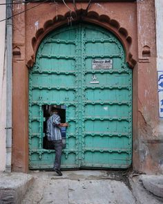 "José Jeuland - Photographer on Instagram: """" coming in "" Jodhpur, India (nov 2019) . . #jodhpur #india #bluecity #rajasthan #door #architecture #door #porte #inde #travelphotography…"" Blue City, Jodhpur, Travel Photography, Architecture, Instagram, India, Arquitetura, Architecture Illustrations, Travel Photos"