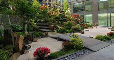 Japanese Garden Theme For A Getaway In Your Own Backyard Small Tropical Gardens, Small Gardens, Outdoor Gardens, Asian Garden, Japanese Garden Design, Garden Landscape Design, Small Yard Landscaping, Patio Interior, Water Features In The Garden