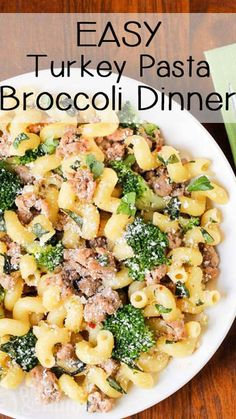 Easy Turkey Broccoli Pasta Dinner - Super-easy, family-pleasing dinner ready in less than 30 minutes! If you are looking for healthy ground turkey recipes, this one is definitely a perfect family meal. recipe videos Turkey Pasta with Broccoli Quick Ground Turkey Recipes, Ground Turkey Pasta, Healthy Turkey Recipes, Healthy Ground Turkey, Healthy Family Meals, Healthy Pastas, Healthy Dinner Recipes, Ground Beef, Ground Turkey Recipe For Kids