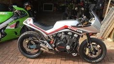 Time to annoy the neighbours again . Think I'm over the straight through pipes 🙉, time for a new option this year . Honda Bikes, Honda Motorcycles, Custom Motorcycles, Custom Bikes, Cars And Motorcycles, Cb Cafe Racer, Cafe Racers, Honda Cbx, Drag Bike