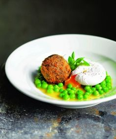 Crispy black pudding, poached hen's egg and fresh peas
