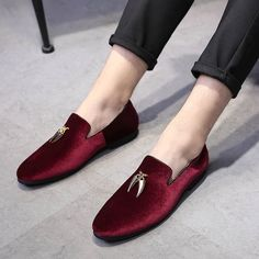 Casual Sickle Suede Men Shoes Slip-on Christmas Party Dress Shoes Casual Pointed Toe Solid Color Exquisite Wedding Flats Man Slip On Dress Shoes, Leather Dress Shoes, Dress Flats, Mens Slip On Loafers, Loafers Men, Military Shoes, Dapper Men, My Guy, Casual Shoes