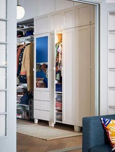 Guardarropas tendencia Plastic Shelves, Plastic Drawers, Powder Coating Wheels, Armoire Ikea, Recycled Door, Open Wardrobe, Frame Shelf, Polypropylene Plastic, Clothes Rail