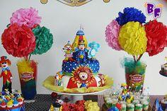 RESPEITÁVEL PÚBLICO... HOJE A GRANDE APRESENTAÇÃO DO CIRCO DA FERNANDA! Esta foi uma festa muito especial de fazer. Foi o 1 º aninho da...