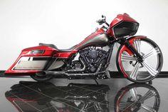 Harley Davidson News – Harley Davidson Bike Pics Harley Davidson Street Glide, Harley Davidson Motorcycles, Custom Motorcycles, Custom Bikes, Harley Bagger, Bagger Motorcycle, Motorcycle Style, Custom Baggers, Custom Harleys