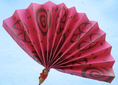 Chinese Fan Craft / World Thinking Day. Our troop is researching China Chinese New Year Crafts For Kids, Chinese New Year Activities, Chinese New Year Decorations, Chinese Crafts, New Years Activities, New Years Decorations, Craft Activities, Preschool Crafts, Kids Crafts