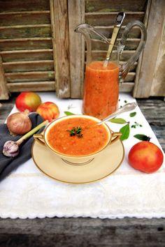 Måske verdens bedste tomatsuppe. Det er sund tomatsuppe, der er nem at lave og bare smager godt.