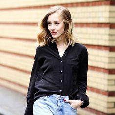 An Effortless Way To Wear Wide-Leg Jeans