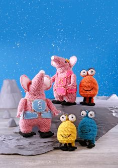 Find the patterns for these wonderful crocheted Clangers and Froglets in the current issue of Crochet Now magazine! Crochet Patterns Free Women, Free Crochet, Crochet Ideas, Crochet Dolls, Crocheted Toys, Yarn Shop, Chunky Yarn, Crochet Animals, Toddler Toys