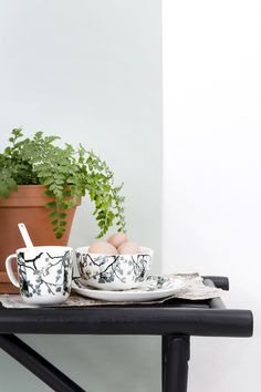 Koivukuja tableware by Matleena Issakainen White Houses, Ale, Planter Pots, Strong, Black And White, Tableware, Interior, Kitchen, Collection