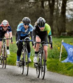 Amazing work and results by the #5thLDN girls this weekend. Here is Soph doing her bit at the front. Congratulations @ecunard @eee_fs @pet_dolly and @soph_eddie.  by John Orbea #womenscycling by the5thfloor