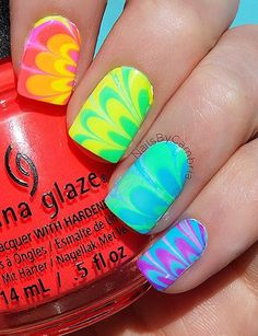 Marbling your nail polish is another stunning way of making your nails look better. Although it's tricky, it definitely has a great result. Rainbow Nails, Neon Nails, Diy Nails, Cute Nails, Rainbow Nail Art Designs, Toe Nail Designs, Pedicure Designs, White Nail Polish, Best Nail Polish