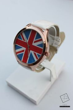 Chic quiero SALE!! RELOJ ENGLAND BLANCO $12.990 APROVECHA Y OBTEN TU RELOJ AHORA! Bracelet Watch, Watches, Bracelets, Fashion, Clock, White People, Accessories, Moda, Wristwatches
