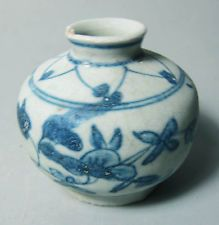 Shipwreck Ming Swatow Blue and white big jarlet (floral 1)