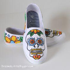 sugar skull free printable pattern and DIY sugar skull shoes painting. # day of the dead # dia de los muertos http://www.dreamalittlebigger.com/post/tattoo-sugar-skull-sneakers-tutorial.html
