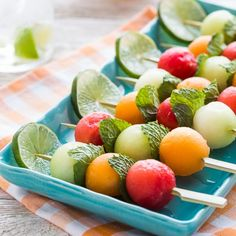 While melons are plentiful, make these colorful, refreshing melon kabobs with mint leaves and an optional yogurt lime dip. While melons are plentiful, make these colorful, refreshing melon kabobs with mint leaves and an optional yogurt lime dip. Christmas Starters, Appetizers For Party, Food Presentation, Fresh Fruit, Summer Recipes, A Food, Snack Recipes, Detox Recipes, Healthy Snacks