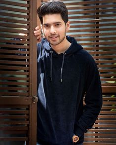 Armaan Malik is the only guy we are crushing on. Princess Charming, My Prince Charming, Couple Photoshoot Poses, Couple Photography Poses, You Are Cute, Cute Love, Singer Talent, Latest Bollywood Songs, Zayn Malik Pics