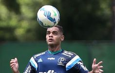 Dicas de veteranos ajudam Palmeiras a escalar 13 jogadores da base no ano