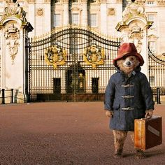 Out for the day with my cousin Paddy in London. #London #ted #teddy #theadventuresofted #buckinghampalace #sightseeing #paddington #paddingtonbear by the_adventures_of_ted