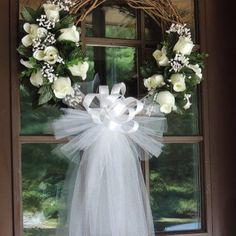Ideas For Wedding Arch Tulle Babies Breath Wedding Door Decorations, Wedding Door Wreaths, Bridal Shower Wreaths, Wedding Doors, Bridal Shower Decorations, Wedding Centerpieces, Church Wedding, Flower Centerpieces, Bridal Showers