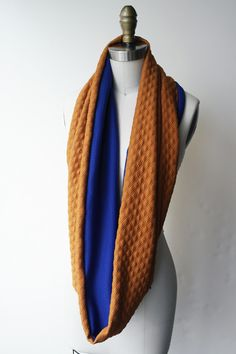 Print Circle Scarf Quilt Knit Copper with Blue