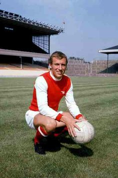 Bob McNab of Arsenal in Arsenal Players, Arsenal Fc, Arsenal Football, Football Pictures, Great Team, Big Men, Old Boys, Good Old, The Past
