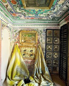 The #royal #residence of Juna Mahal in Dungapur was included in the 2014 World Monuments Watch to bring greater #awareness of its #historic and #artistic significance. Pictured here: 'Casino Stripe Lime' fabric from Nirmals Furnishings. 'Verona – Verona' fabric from Rumors Fine Furnishings. 'Fan Coral Limited Edition' sculpture (oxidized) from michaelaram.com. Styled by @sonavalaitee. Photo by: @ashishsahi. #ADinRajasthan #photoseries #weekend #architecture #rajasthan