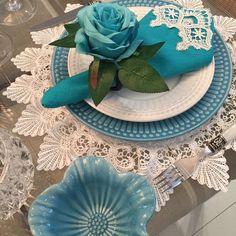 Americano redondo com renda grega branca Hanukkah, Wreaths, Decor, Greek, Cuisine, Decorating, Door Wreaths, Deco Mesh Wreaths, Inredning