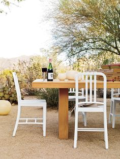 Garden Inspiration with Emeco 111 Navy in White, Outdoor Eating in Style