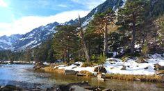 #nature #cauterets #rocks #trees #landscapeaddict #amazing #getaway #tourist #loveit #peace #photography #amateur #forest #wild #cold #happy #water #lake #moutain #midipyrenees #montagne #pontdespagne #cauterets #randonnée by adeline.m.photography