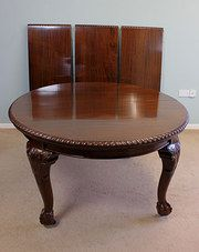Large Extending Dining Table Chippendale Stlye Material: mahogany Condition: Wonderful Circa 1900