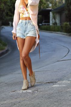 Festival style: crop top, denim cut-offs, booties and kimono.