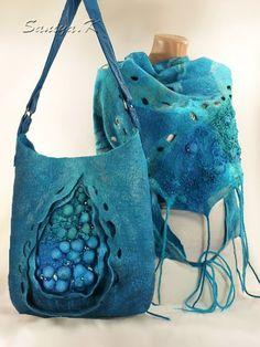 Schal und Tasche                                                                                                                                                                                 Mehr