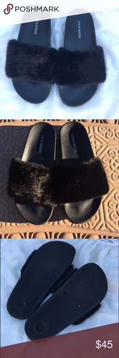 Steve Madden 'Softey' Slippers Steve Madden 'Softey' Slippers. Size 7, color: black. They have been gently used in great condition. Be in style with these slip on faux fuzzy slides. Steve Madden Shoes Slippers
