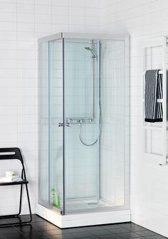 Hafa Polaris SQ Klarglas Duschkabin. Stilren, prisvärd och lättmonterad duschkabin med hörningång. Stabilt kar i vit akryl med avtagbar front, lättåtkomligt vattenlås och med hårsil.